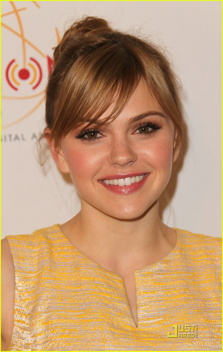 aimee teegarden college emmys 10
