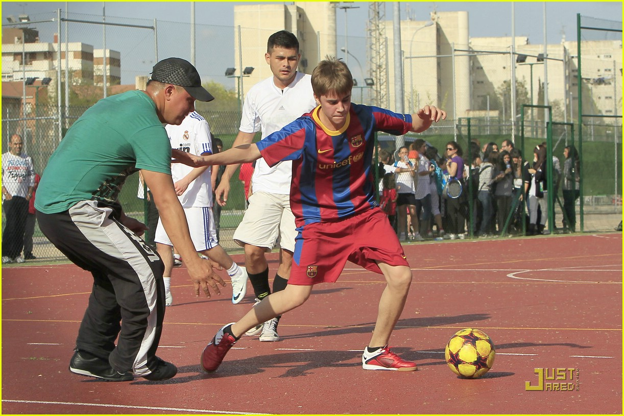 justin bieber soccer spain 11