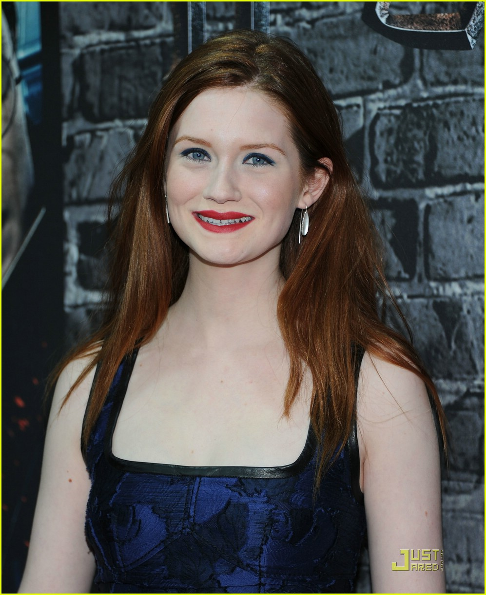 bonnie wright hp exhibition 13