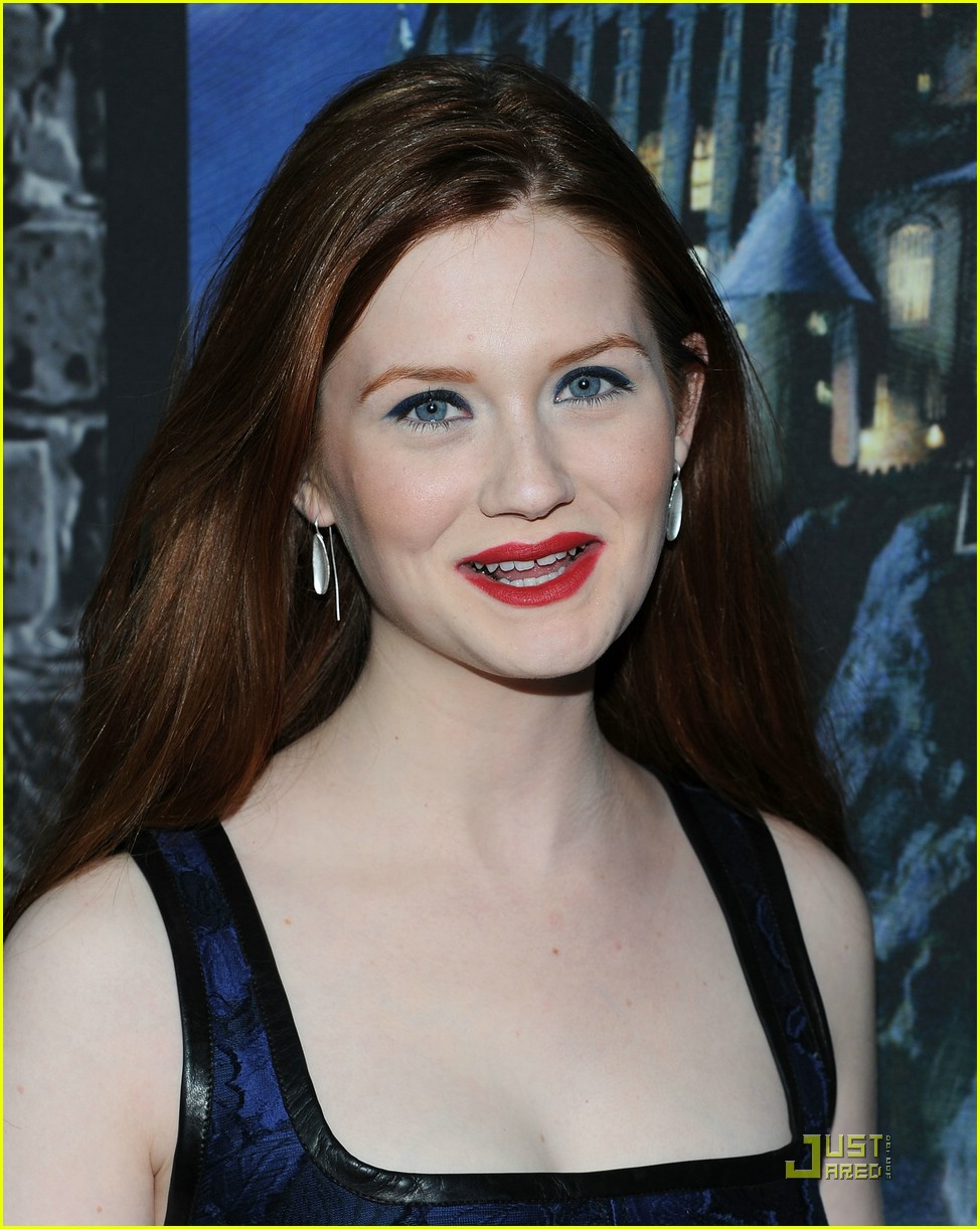 bonnie wright hp exhibition 15