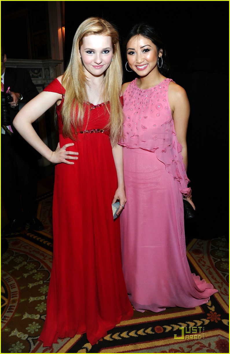brenda song hot pink party 04