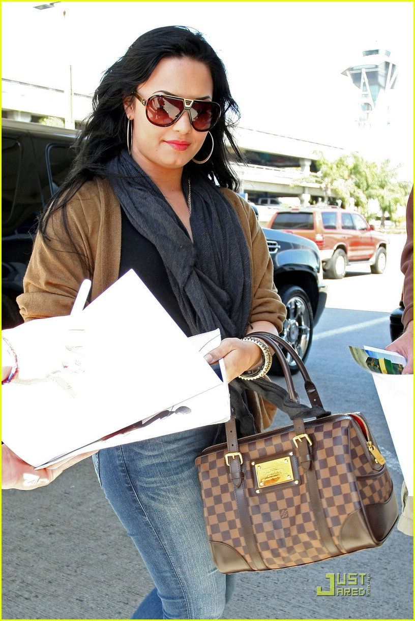 demi lovato lv purse lax 09