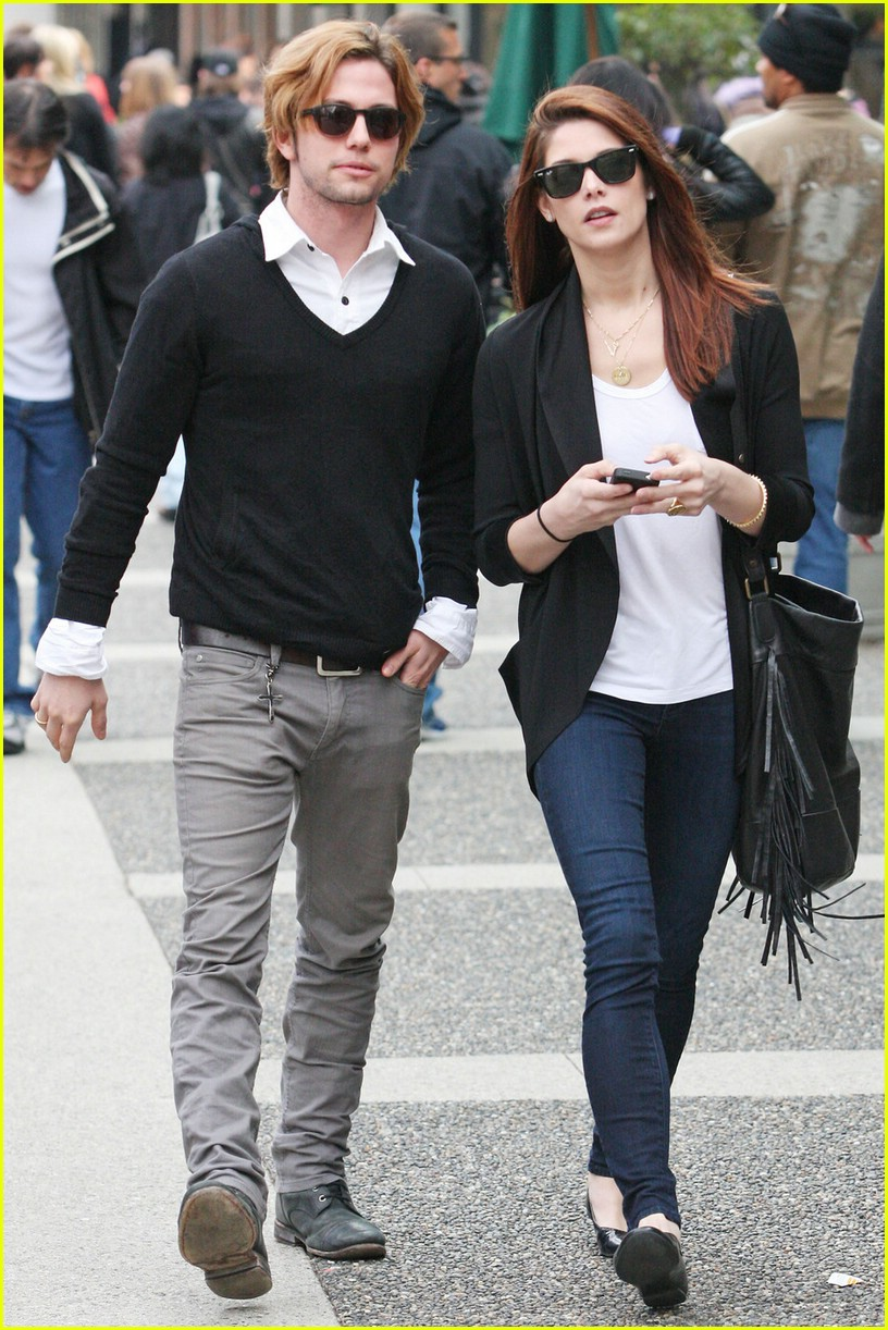 ashley greene jackson rathbone walk 07