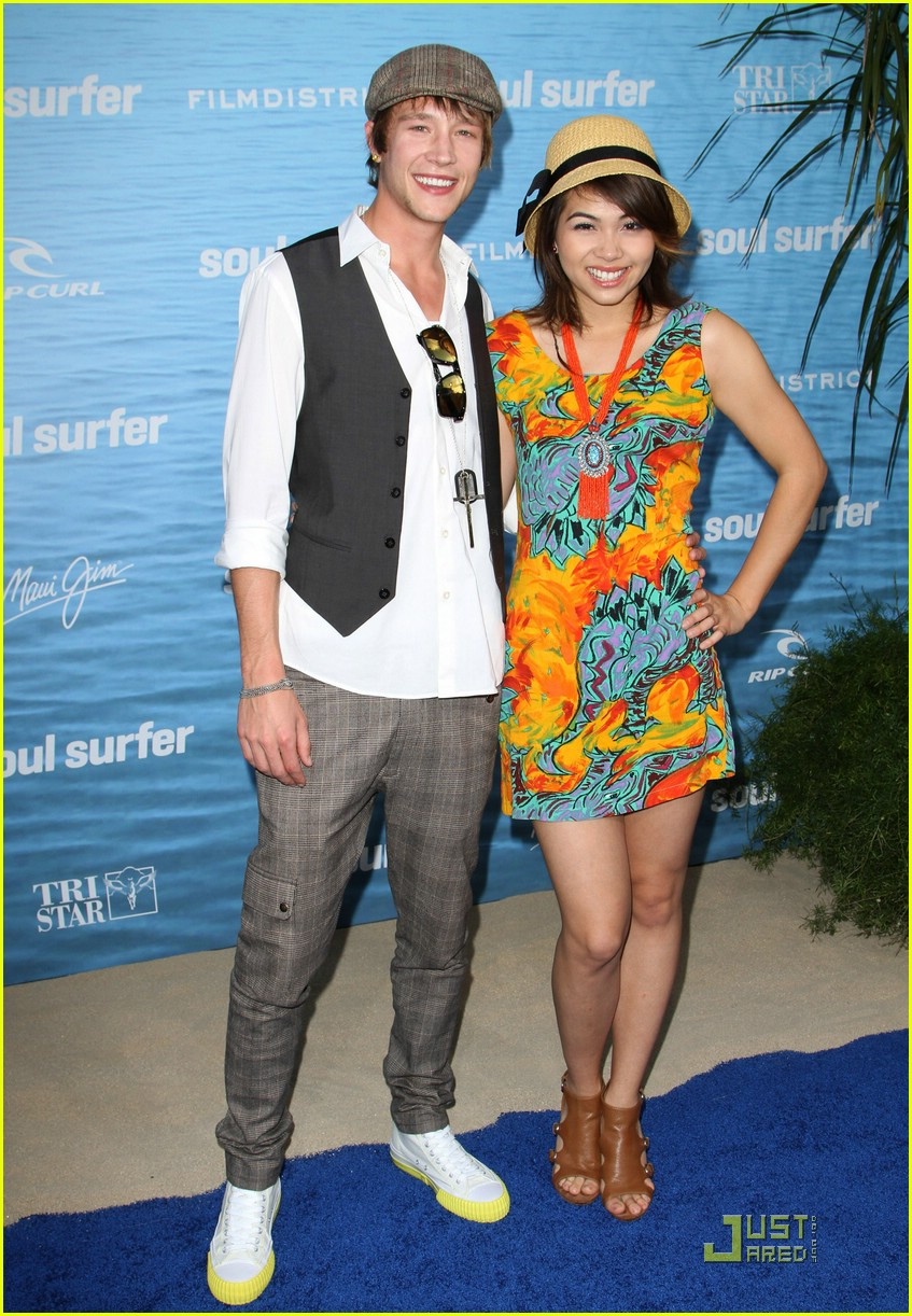 hayley kiyoko nick roux surfer 06