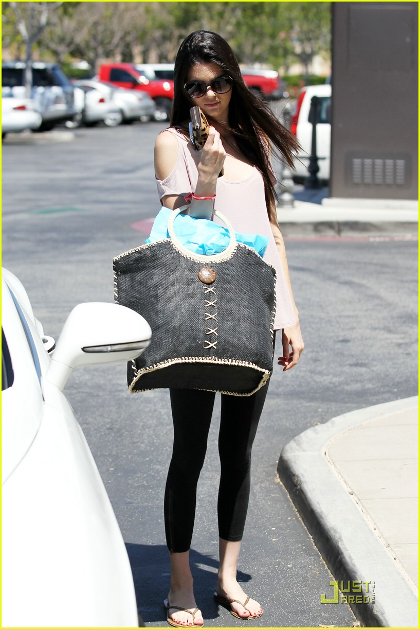 kendall kylie jenner summer fashions 05