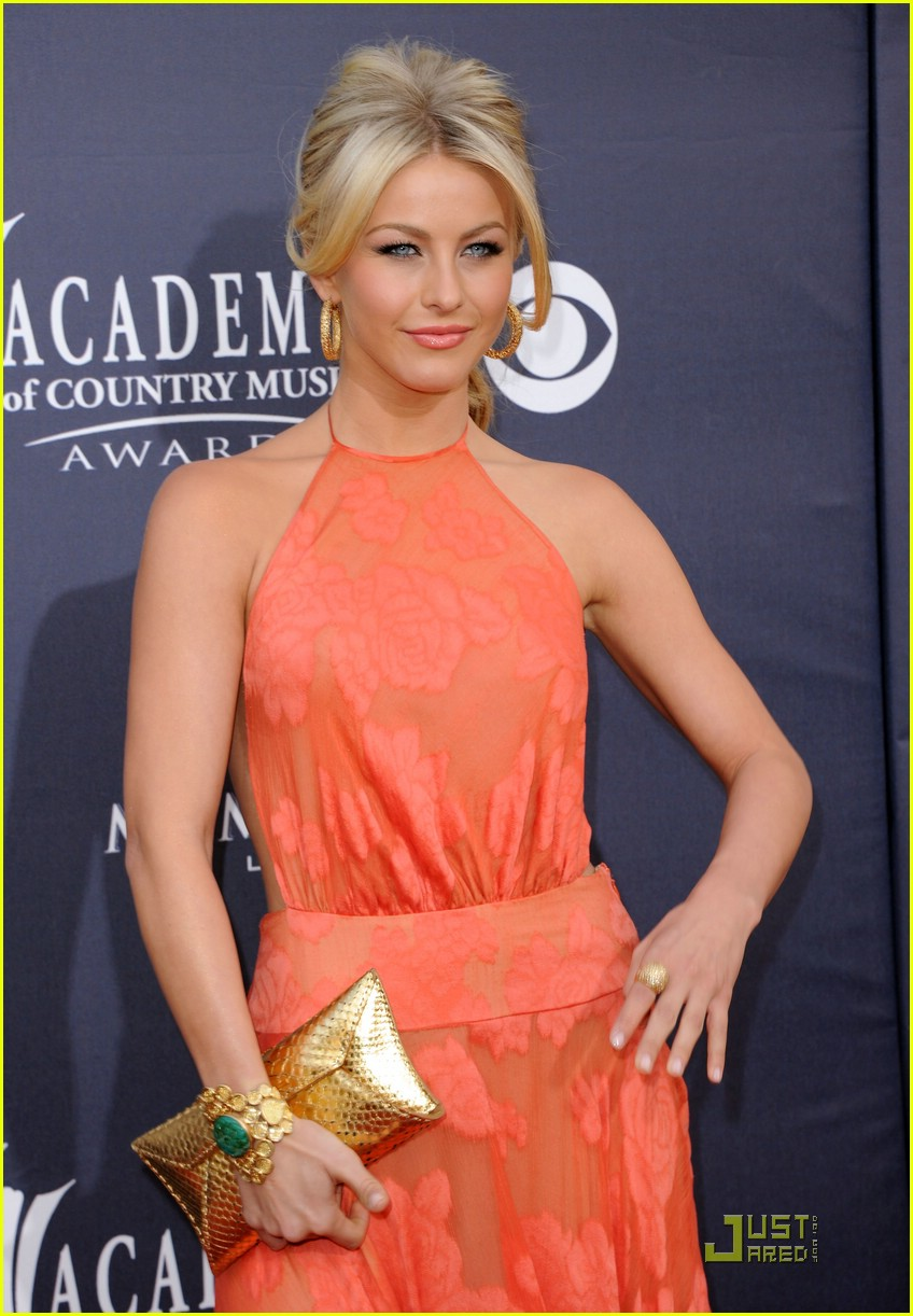 julianne hough acm awards 01