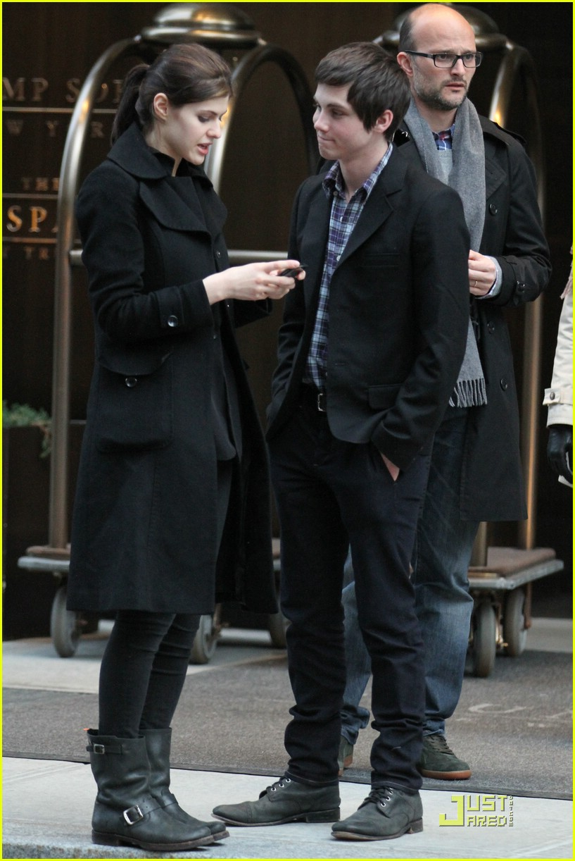 logan lerman alexandra nyc 02