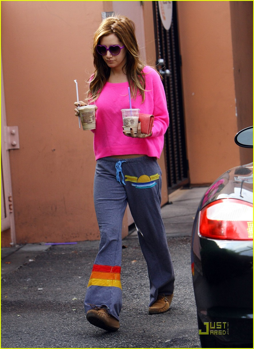 ashley tisdale casino lakers 15