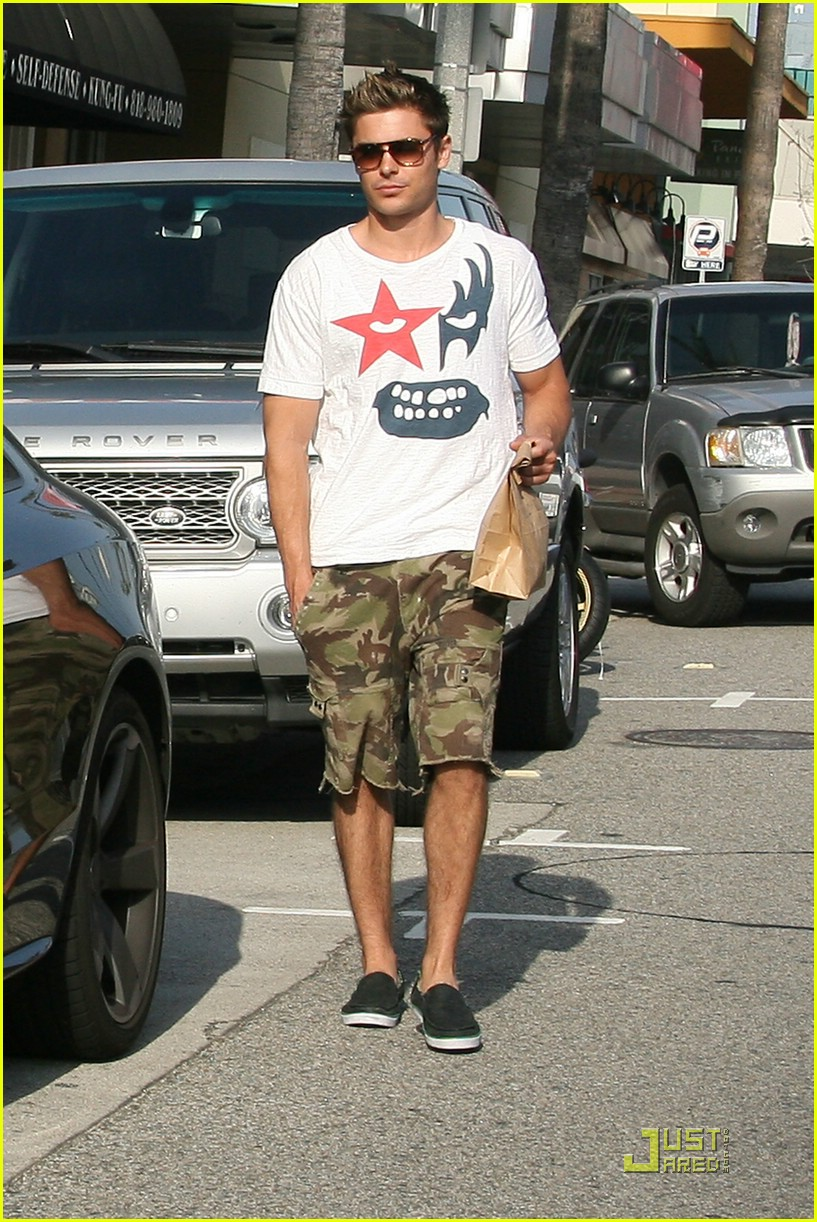 zac efron audi snack 02