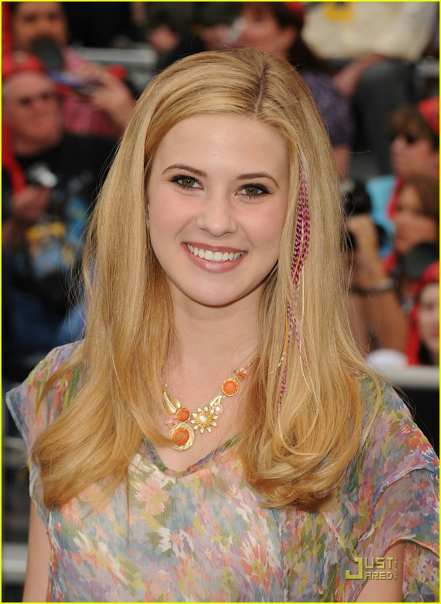 caroline sunshine pirates premiere 22