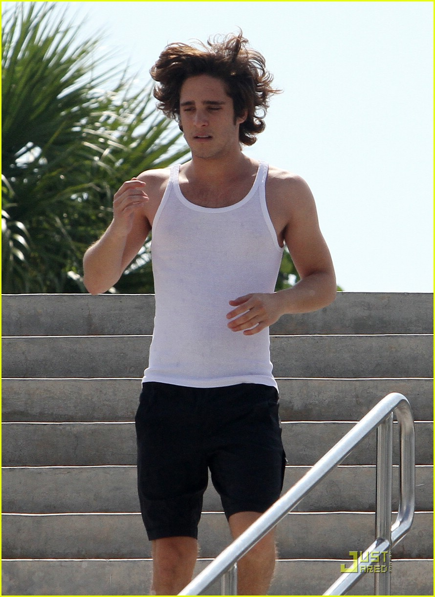 diego boneta julianne hough workout 06