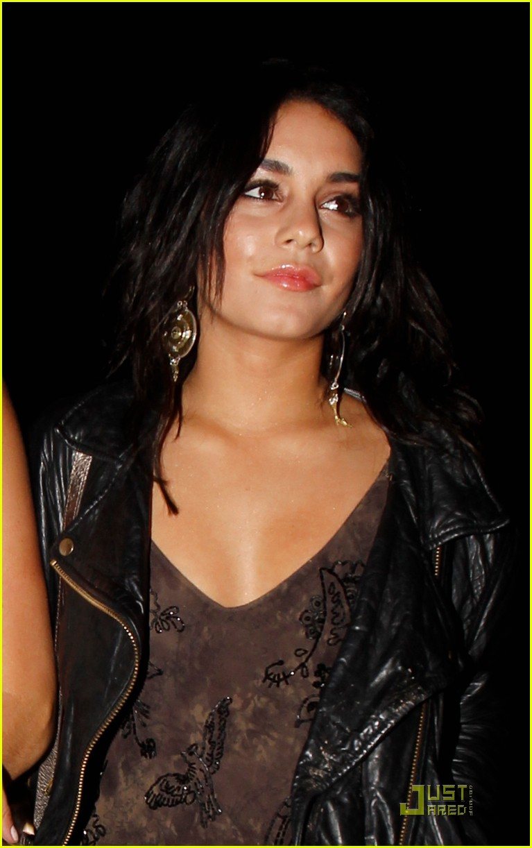 vanessa hudgens red party 03