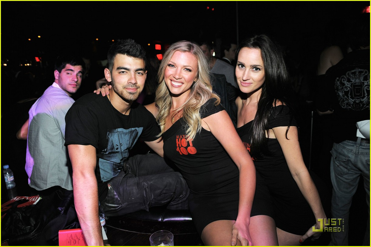 joe jonas maxim hot 100 04