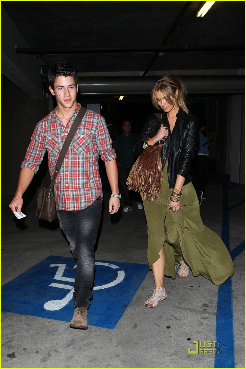 nick jonas delta goodrem movies 06