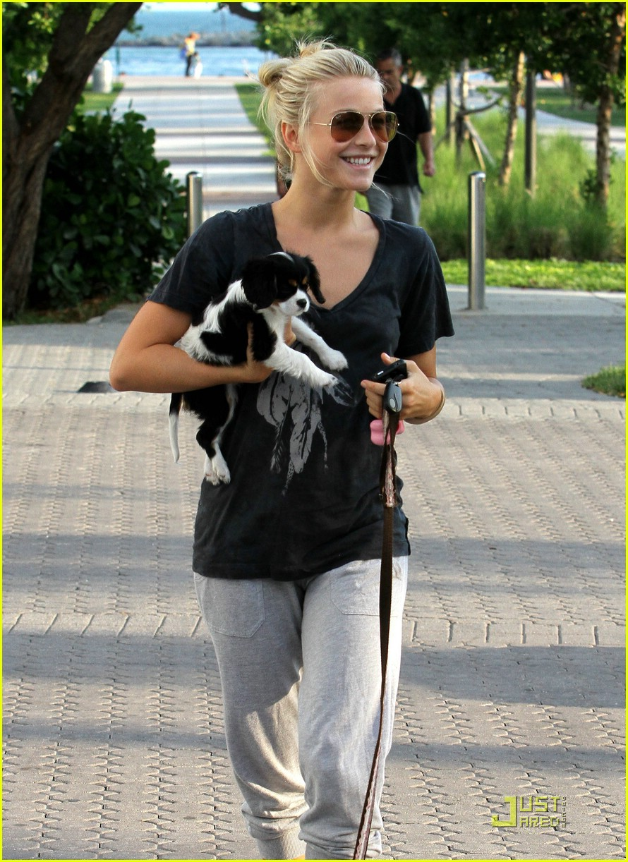 julianne hough run miami 08