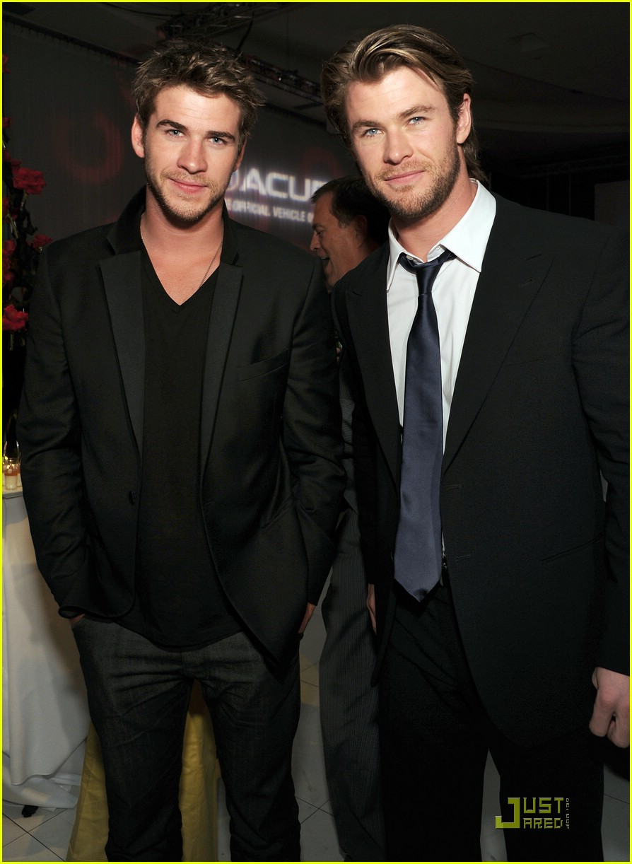 liam hemsworth chris thor 06