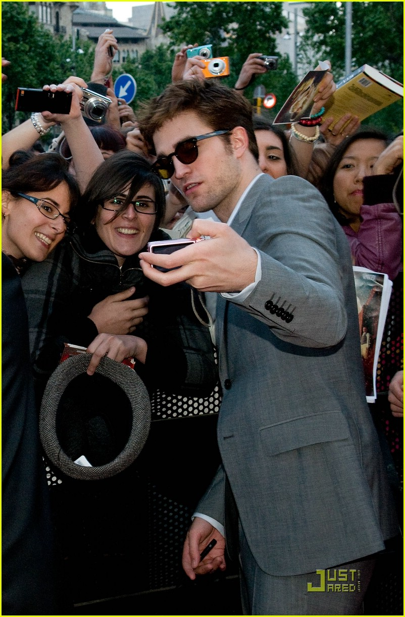 robert pattinson barcelona premiere 03