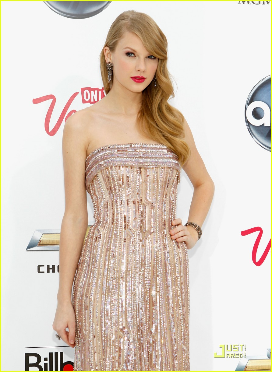 taylor swift billboard awards 01