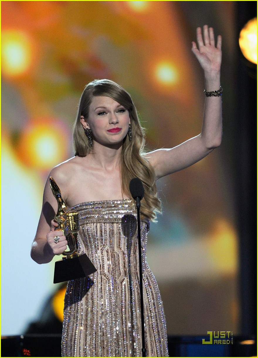 taylor swift billboard awards 02