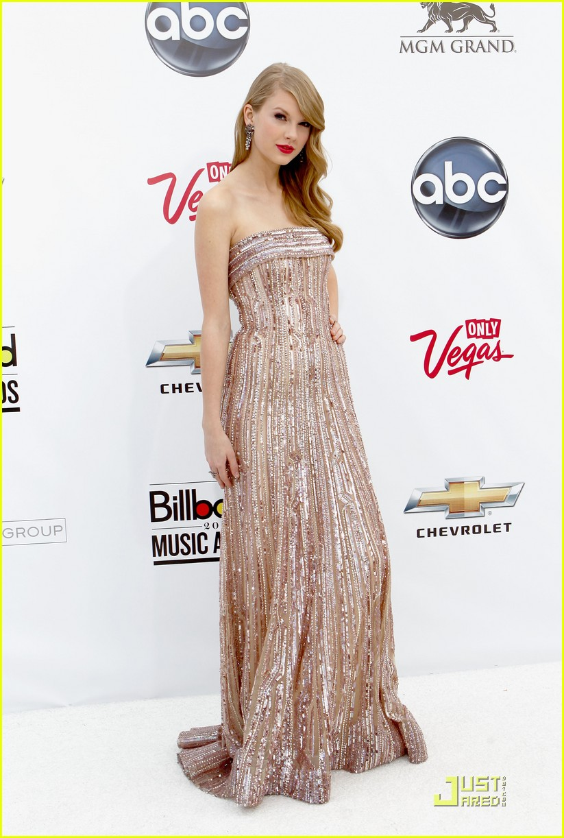 taylor swift billboard awards 04