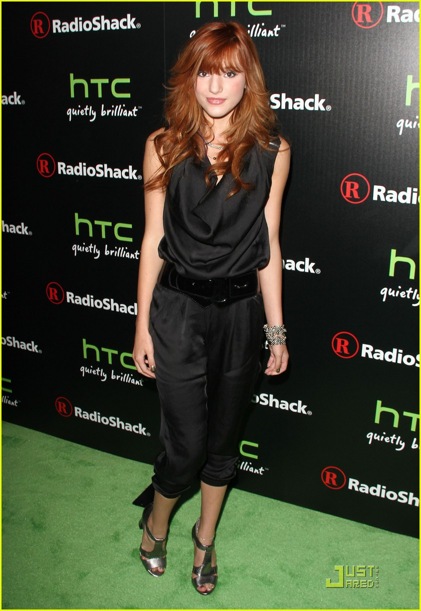 bella thorne htc evo party 01