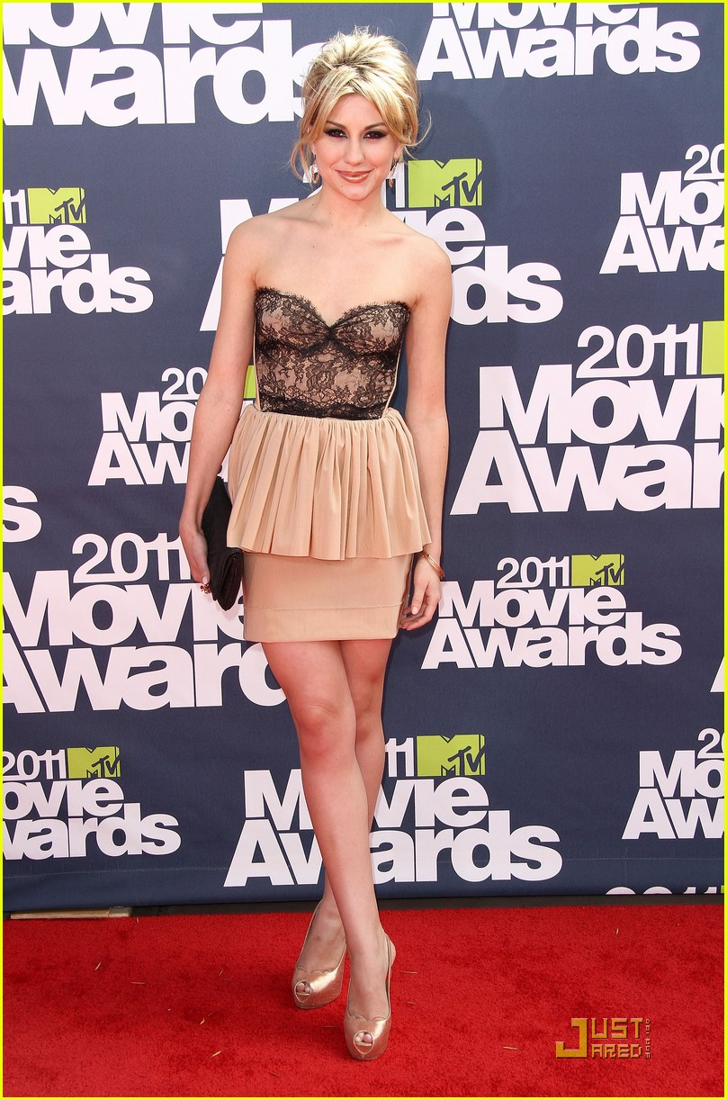 chelsea kane mtv movie awards 11
