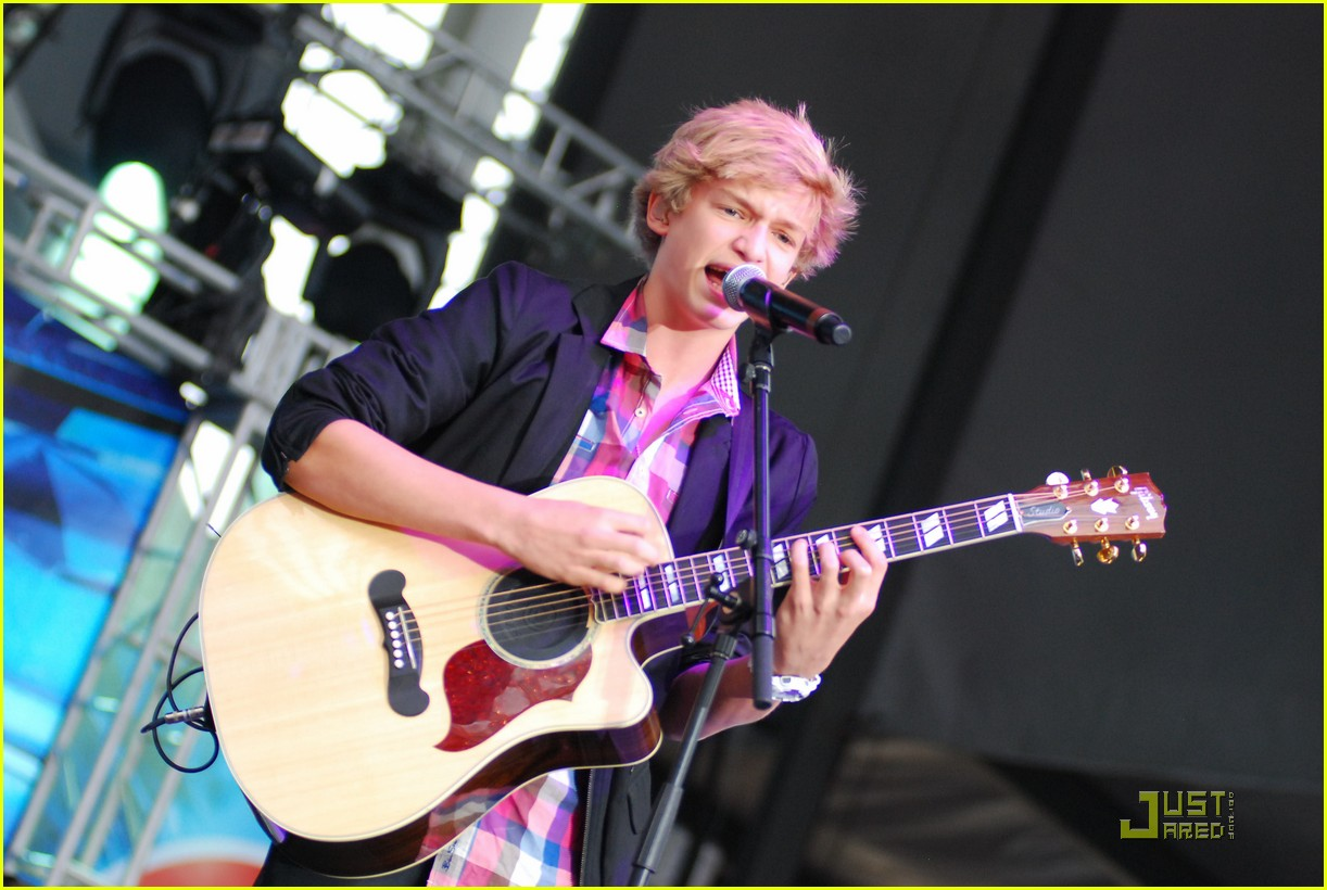 cody simpson b96 summer bash 04