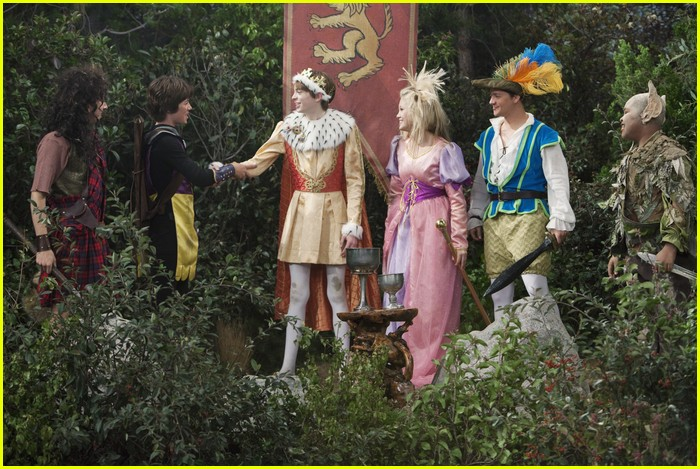 jason earles feather hat 16