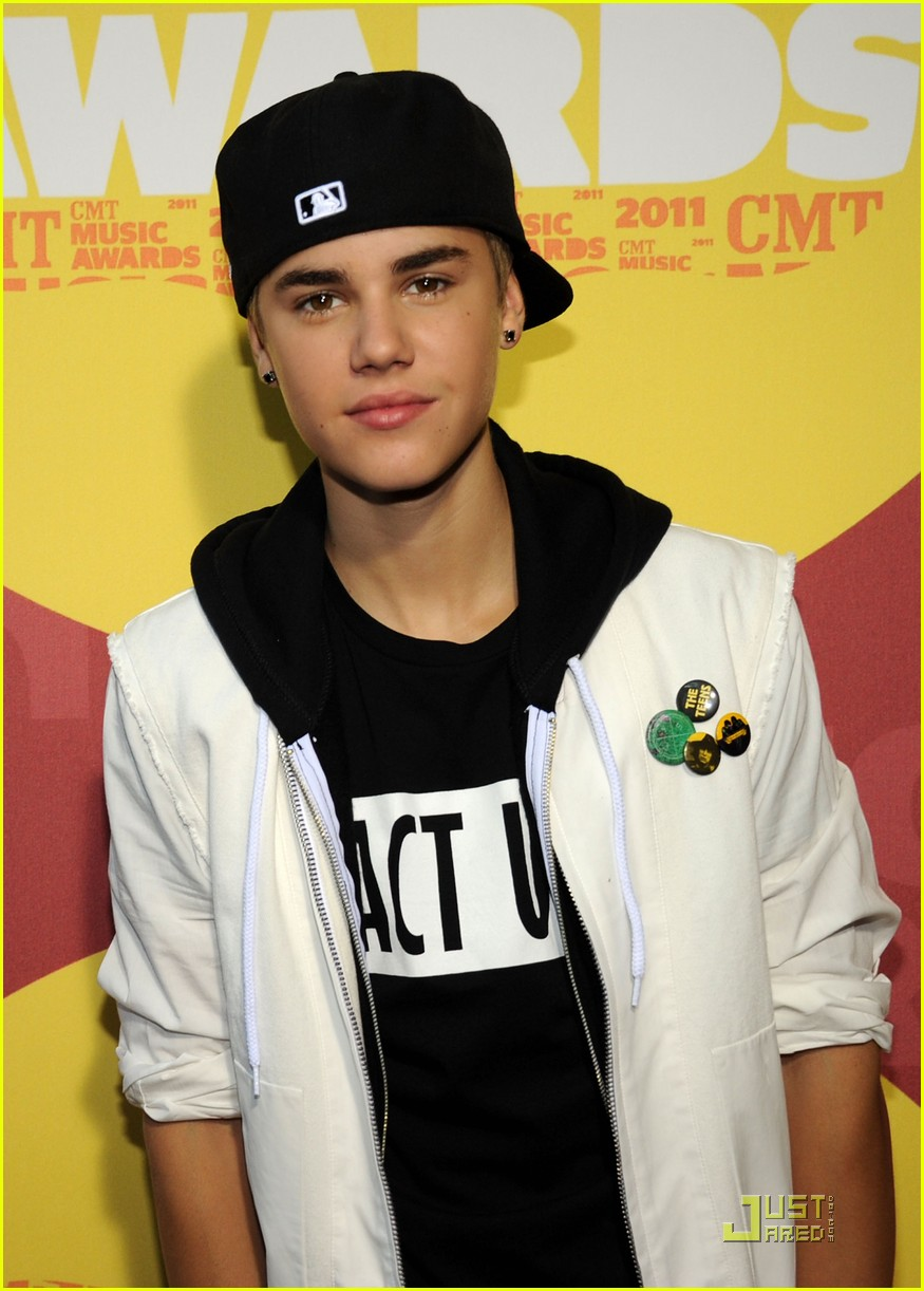 justin bieber cmt music awards 02