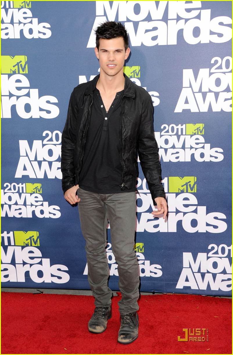 taylor lautner mtv movie awards 04