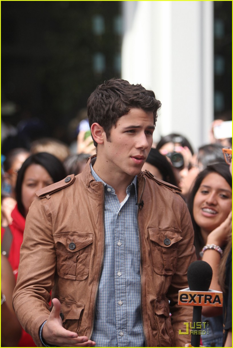 nick jonas grove guy 07