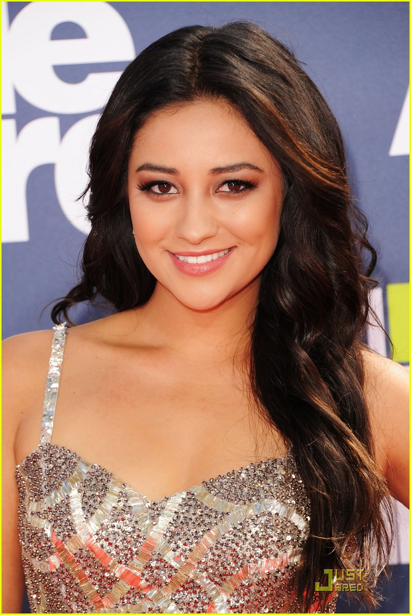 pretty little liars mtv awards 01