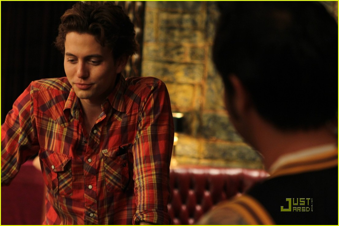 jackson rathbone foxes den stills 10