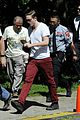 Rob-red robert pattinson red pants 08