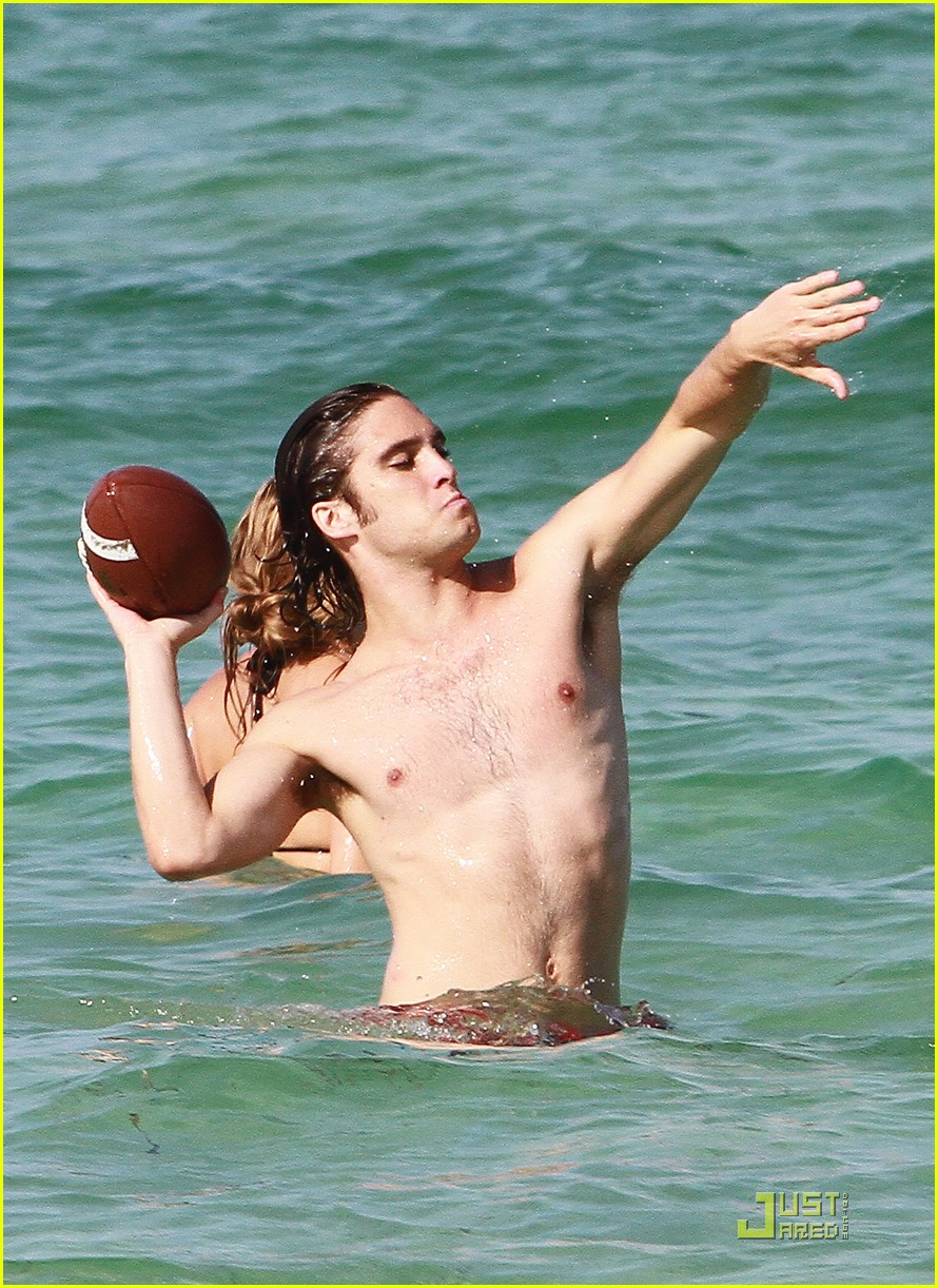 diego boneta beach football 01