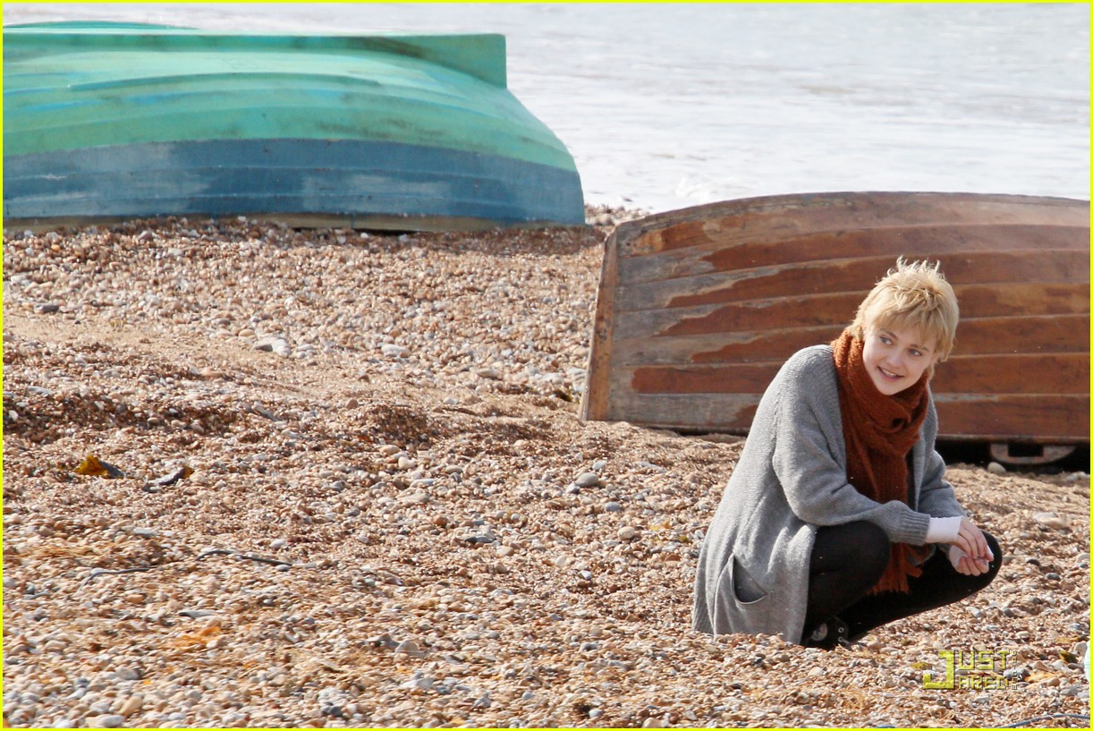 dakota fanning now is good stills 02