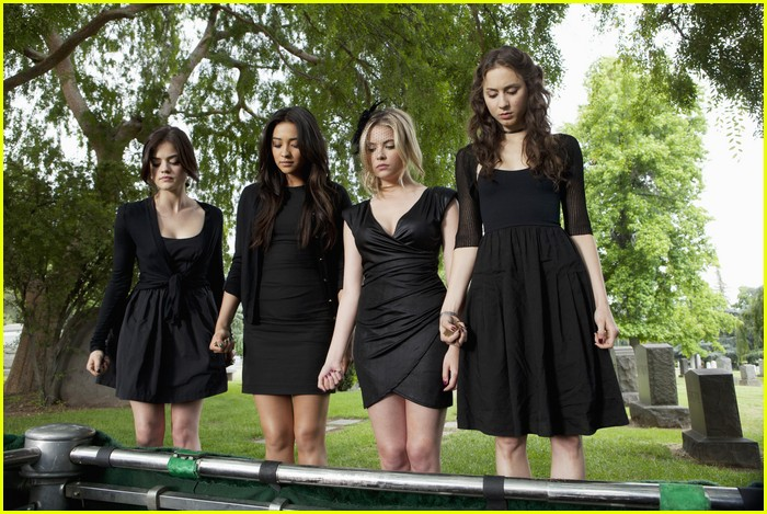 pretty liars funeral two 08