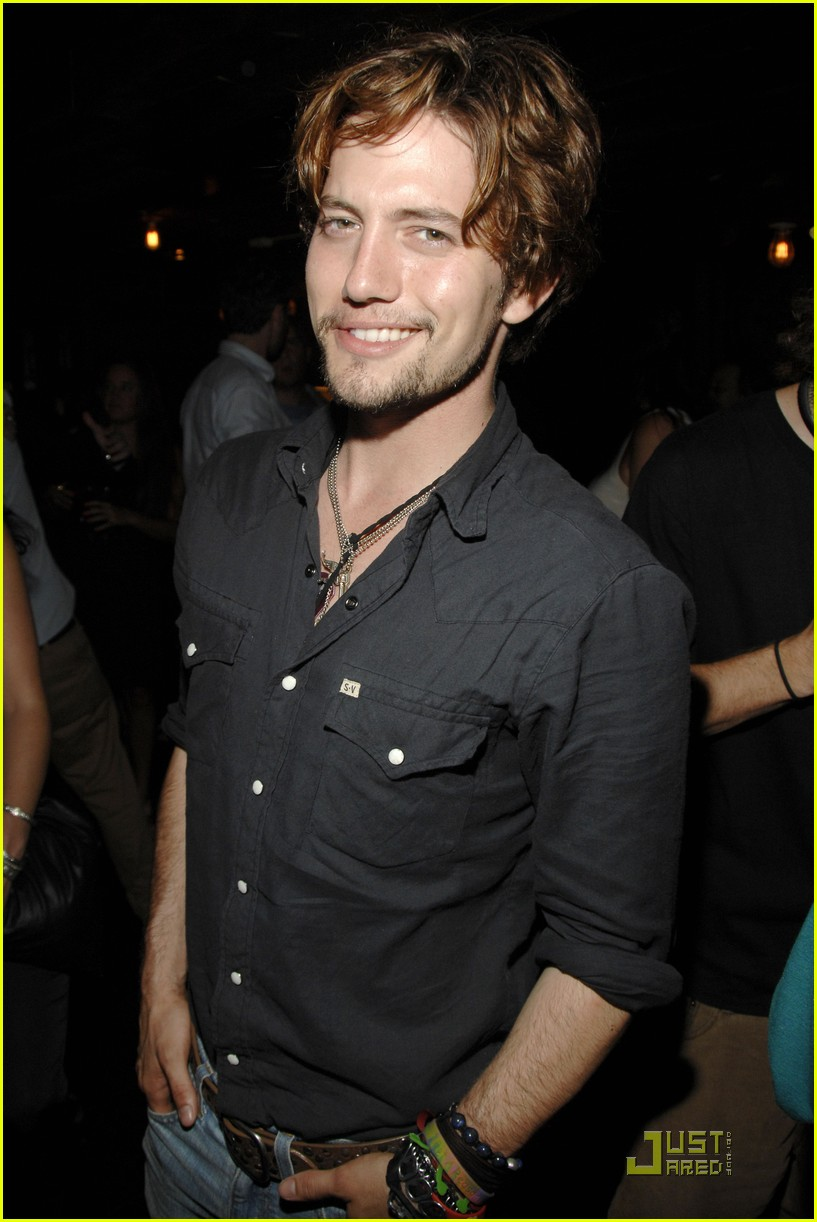 jackson rathbone girlfriend party 01