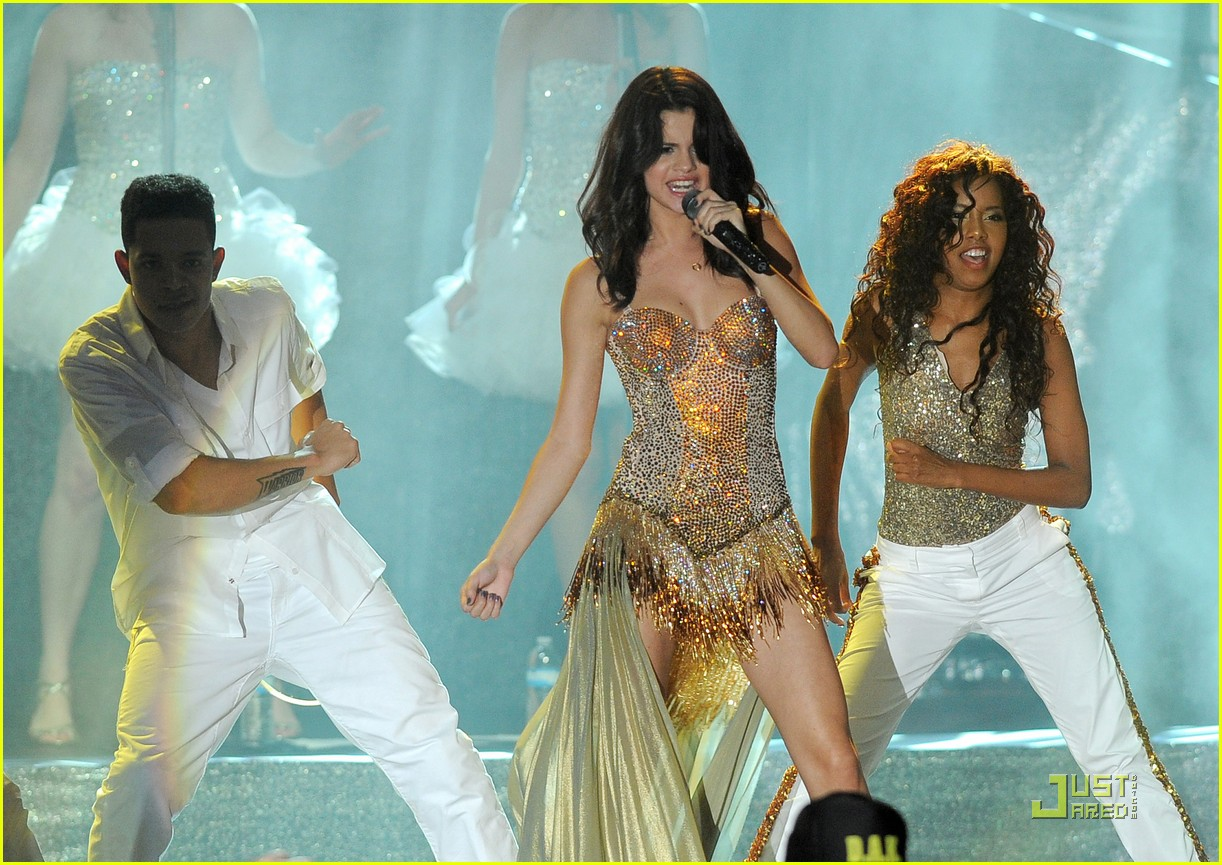 selena gomez opening tour night 19