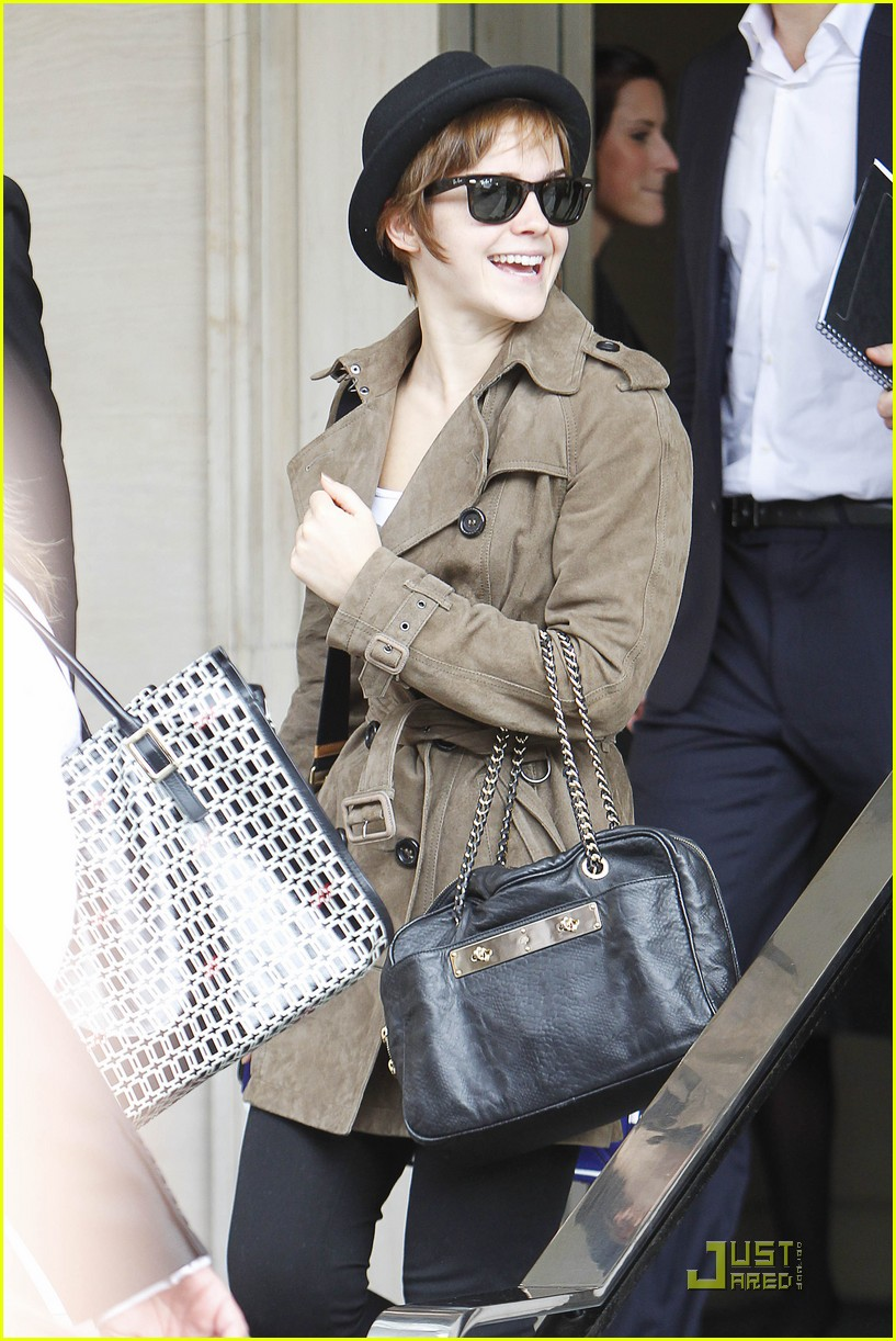 emma watson smile hotel 03