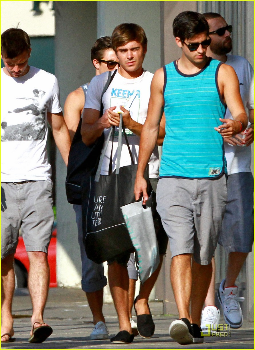 zac efron ryan rottman shopping 12
