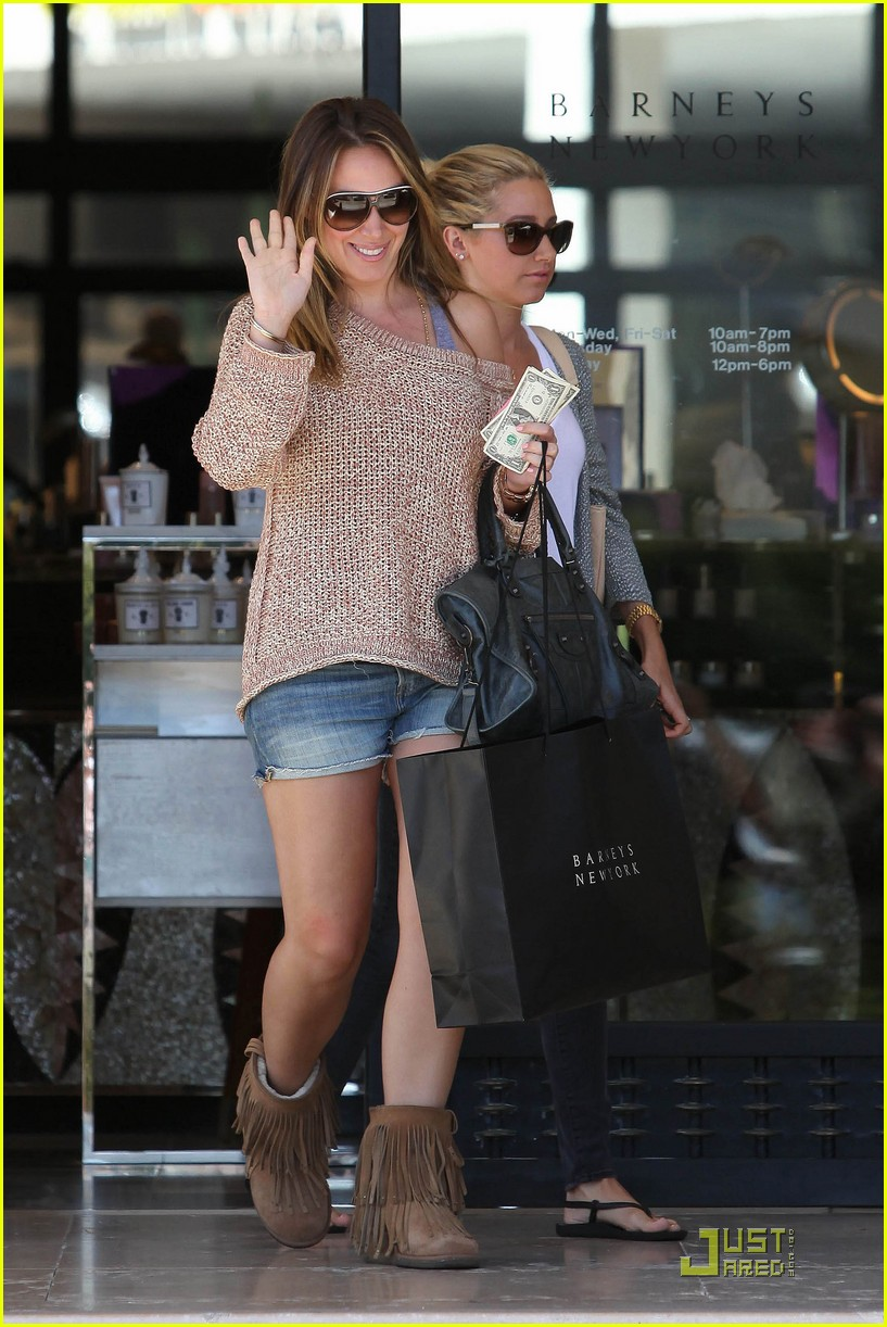 ashley tisdale haylie duff barneys 06