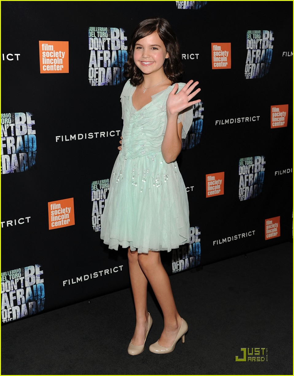 bailee madison afraid dark premiere 06