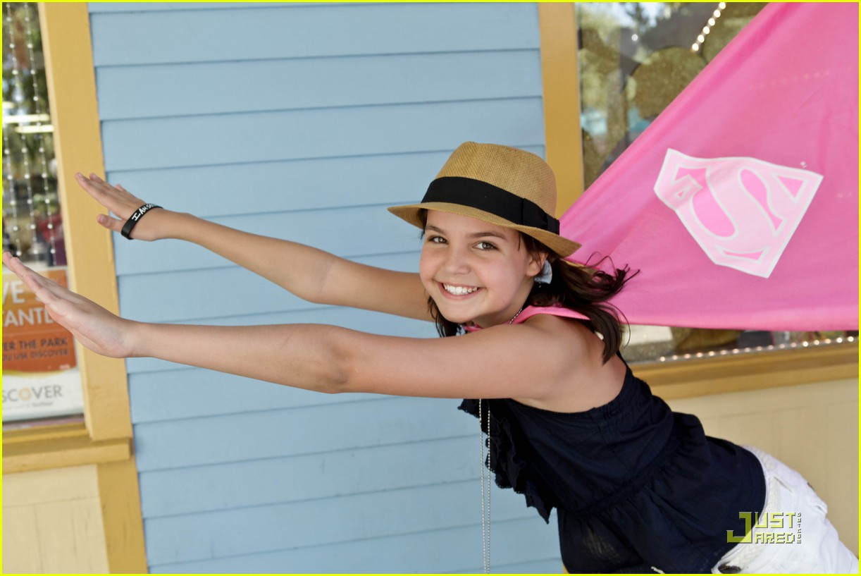 bailee madison six flags fun 10