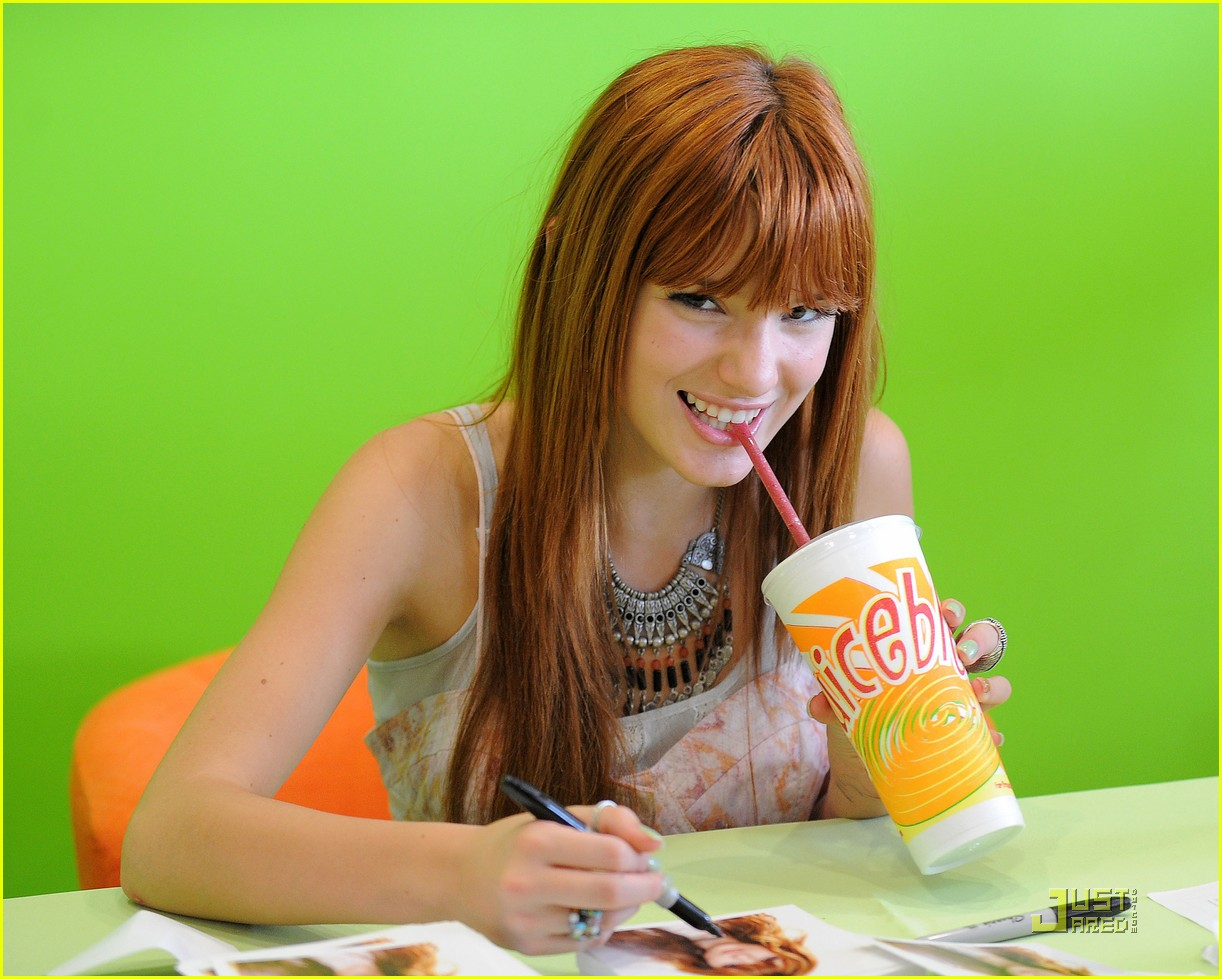 bella thorne yoblenz 26