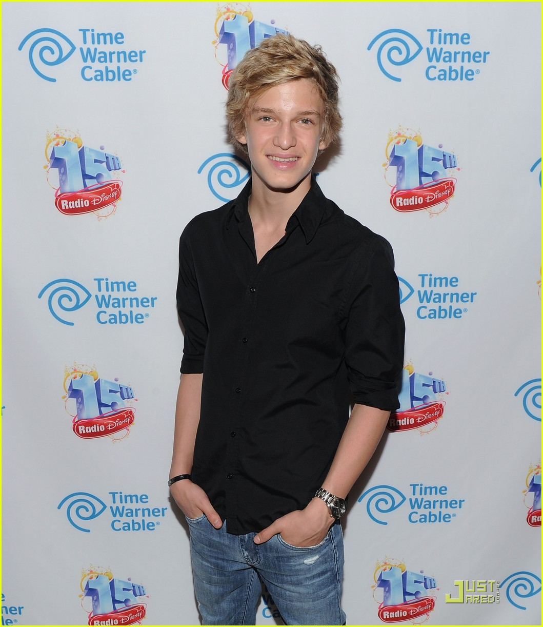 cody simpson rd 15 party 01