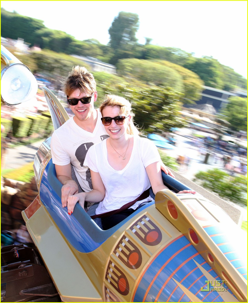 emma roberts chord overstreet disneyland 13