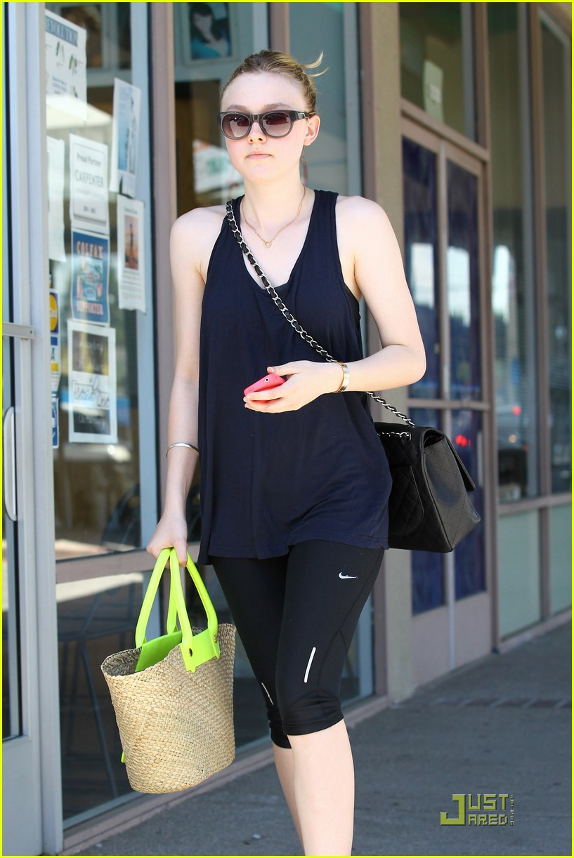 dakota fanning workouts 04