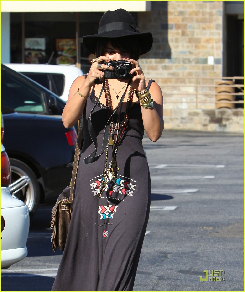 vanessa hudgens stella camera cuties 13