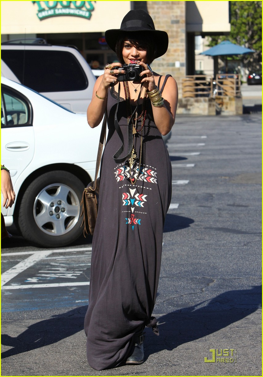 vanessa hudgens stella camera cuties 14